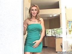 Tanya Tate finds herself blowing mans corpulent run into rod