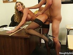 Brandi Love gets the delight from pussy