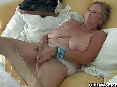 British granny Isabel has big boobies and a poundable fanny