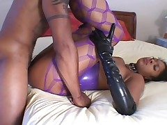 Sexy latex aloft a black girl rendering hot arse lose one's heart to